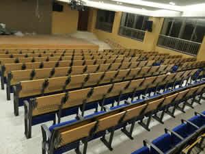 从化广外实验小学阶梯排椅图片