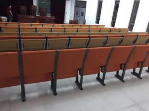 东莞松山中学阶梯排椅图片