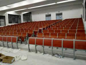 河源龙川第一实验学校B校区阶梯排椅图片