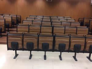 广雅中学阶梯排椅图片