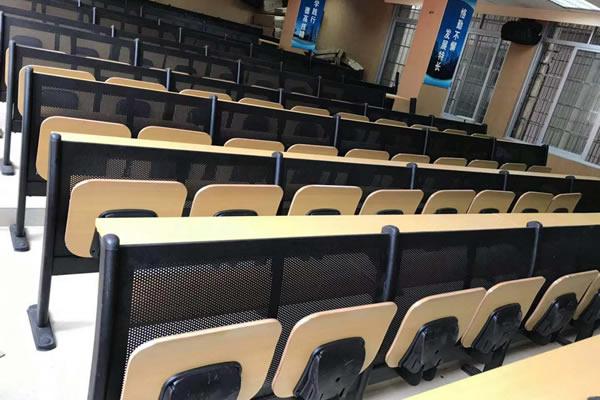 你还在对阶梯教室应该怎么设计烦恼吗?快来看看吧